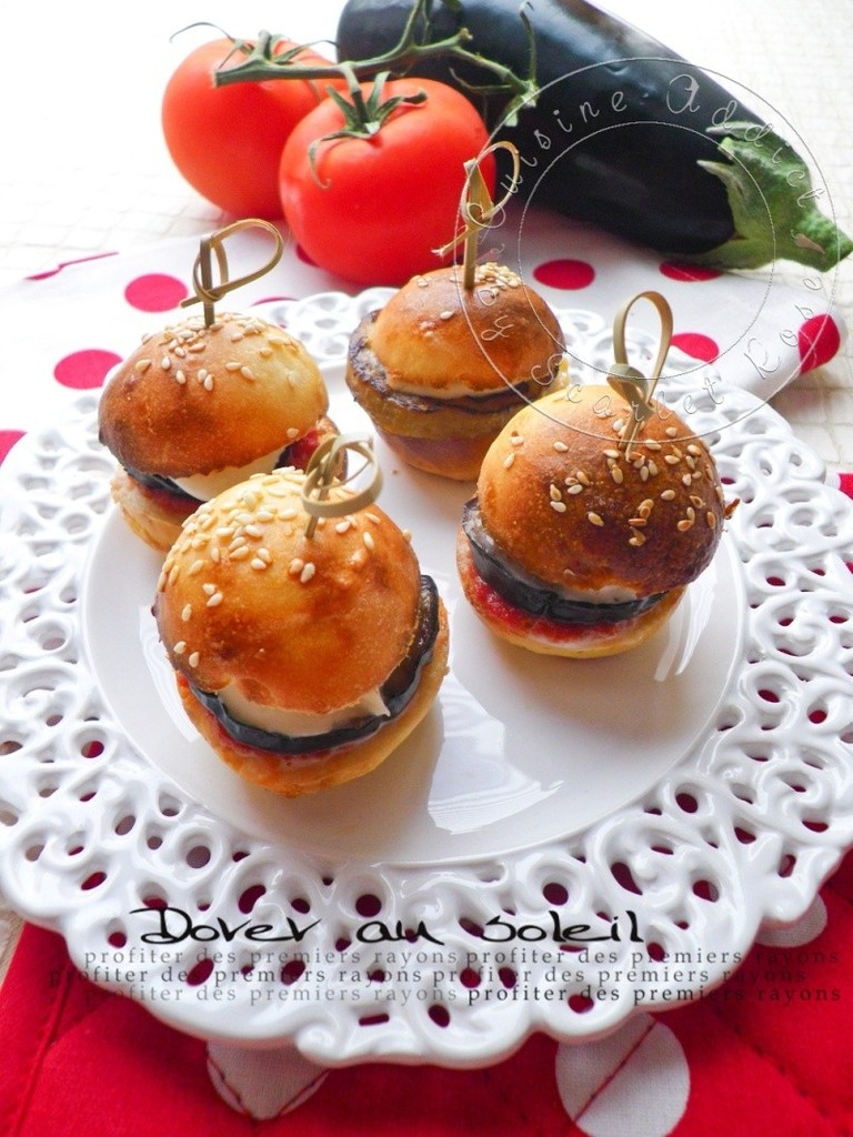 mini burger tomate aubergine mozzarella cuisine addict. Black Bedroom Furniture Sets. Home Design Ideas