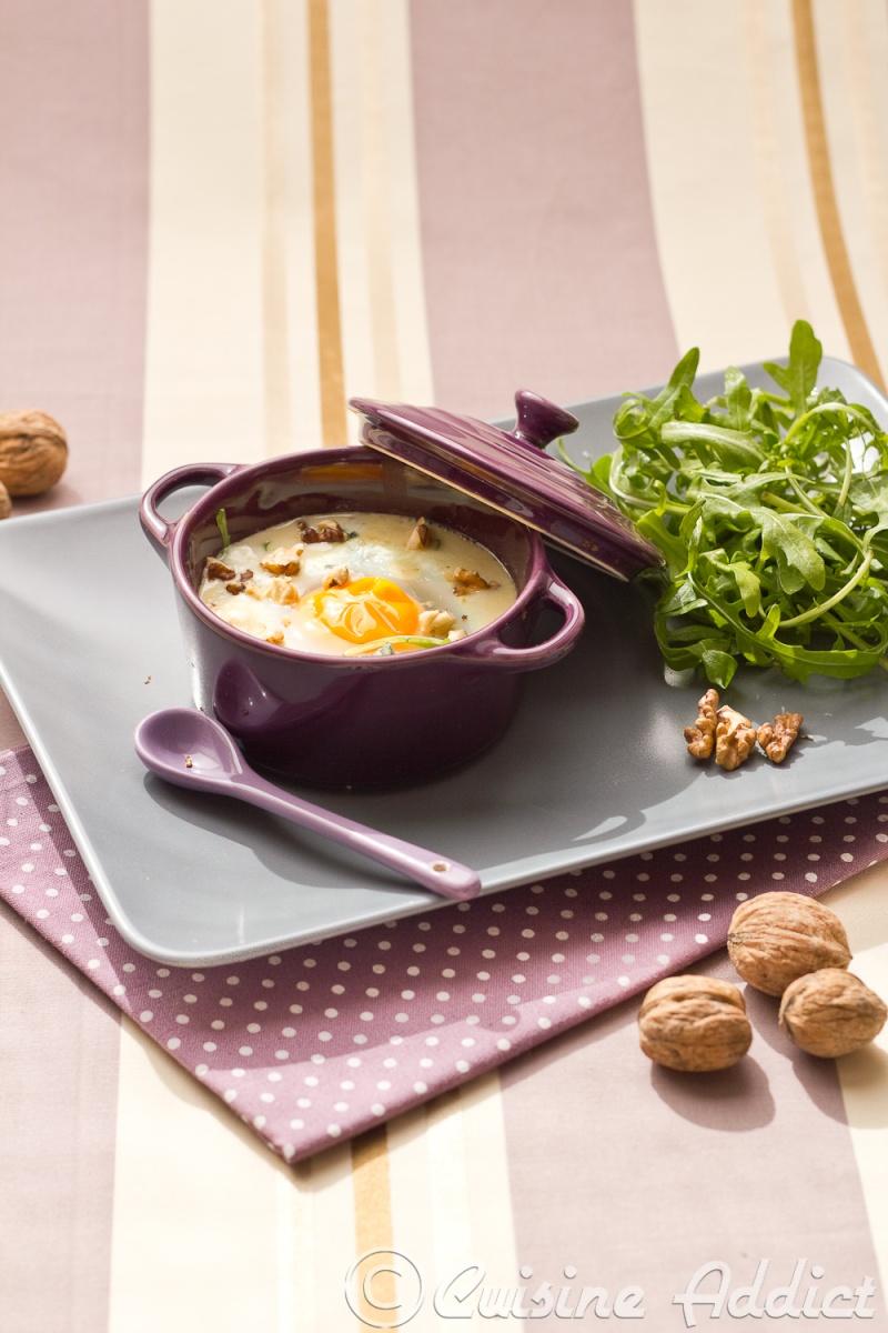 Oeufs cocotte au Roquefort et à la</br>Roquette