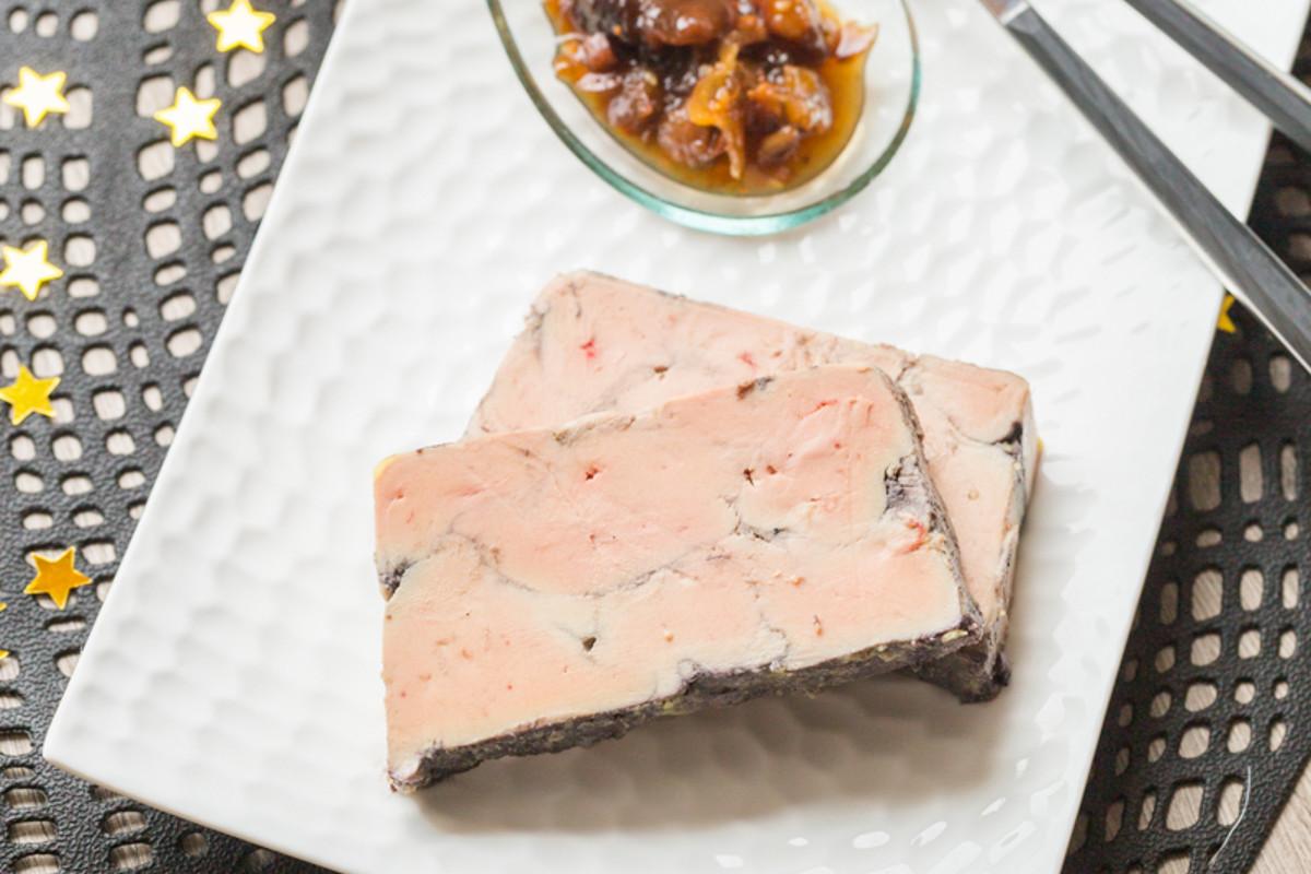 Foie gras poché au Vin Rouge &#038; aux</br>Epices