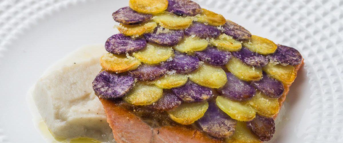Truite en écaille de pomme de terre