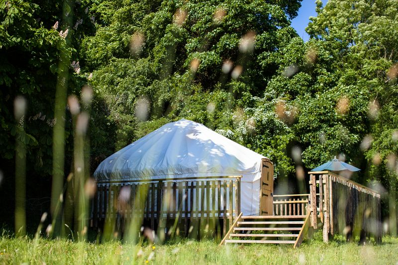 Oak_yurt_exterior