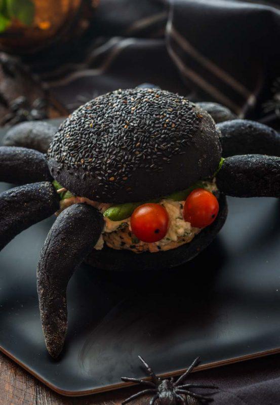 Burger façon araignée pour Halloween