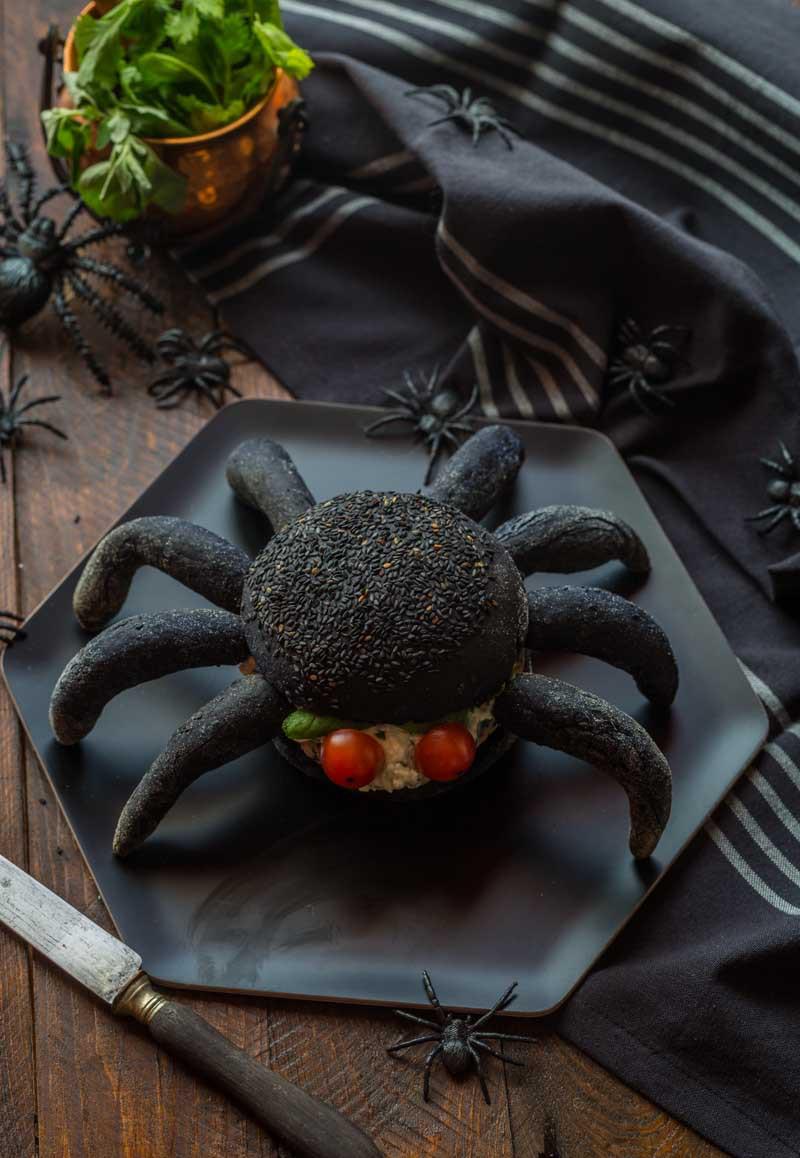 Burger araignée au saumon pour halloween