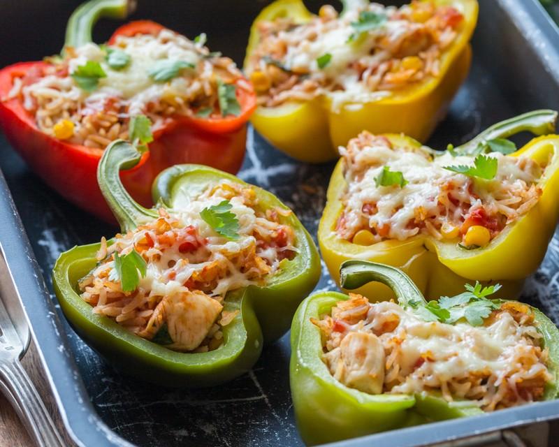 Poivrons farcis au riz et au poulet cuisine addict - France c est au programme recettes de cuisine ...