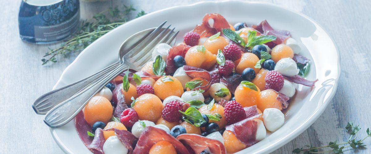 Salade fruitée au Melon, Mozzarella et Bresaola