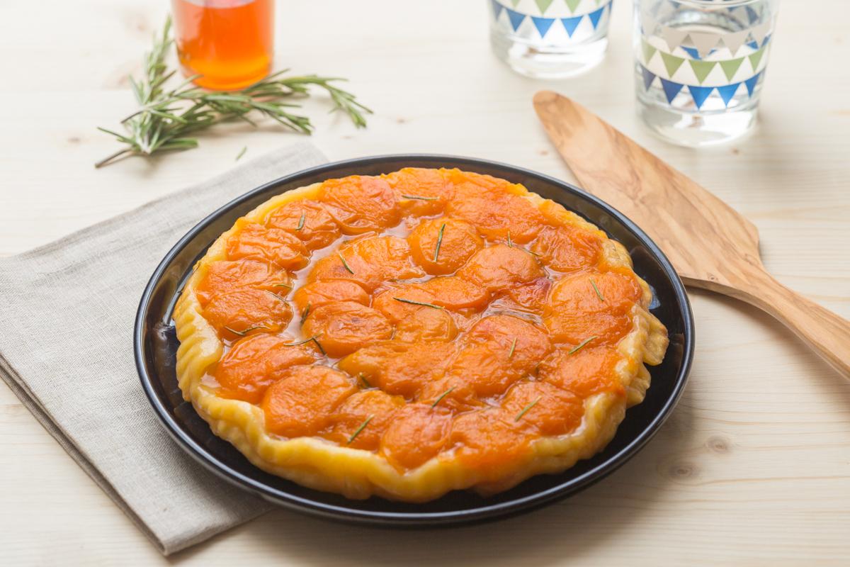 Tarte tatin d'Abricots au Miel & Romarin