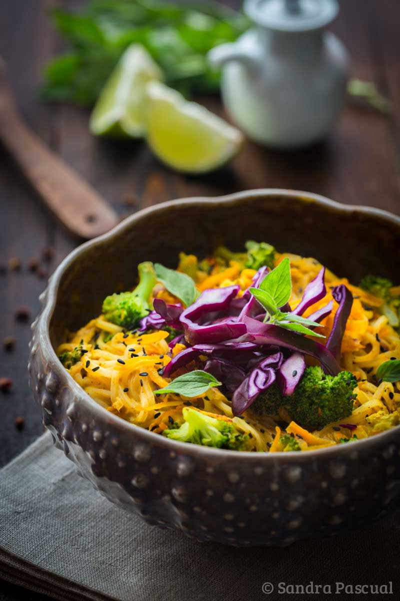 nouilles de riz aux l gumes sauce coco curry cuisine addict. Black Bedroom Furniture Sets. Home Design Ideas