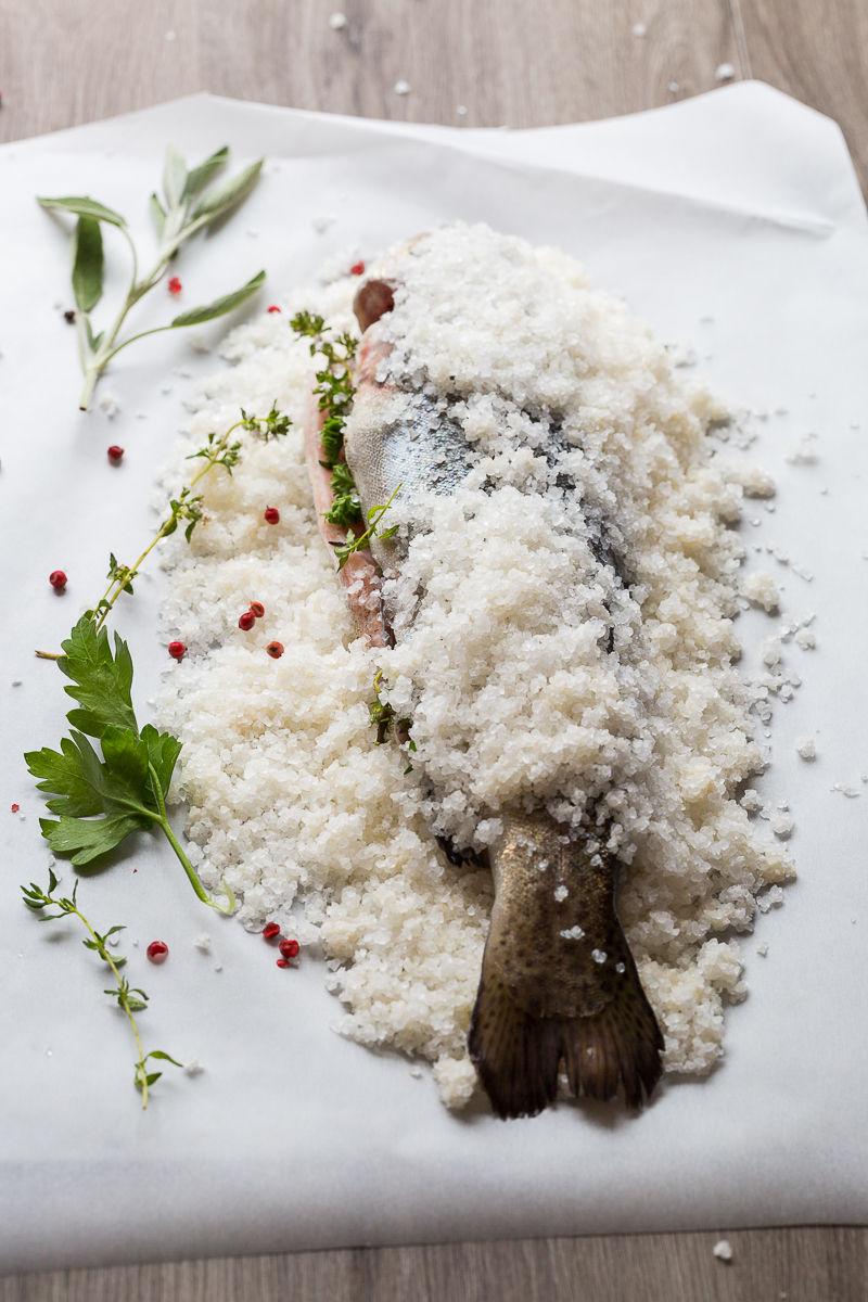 750-g-les-recettes-cultes-truite-croute-sel