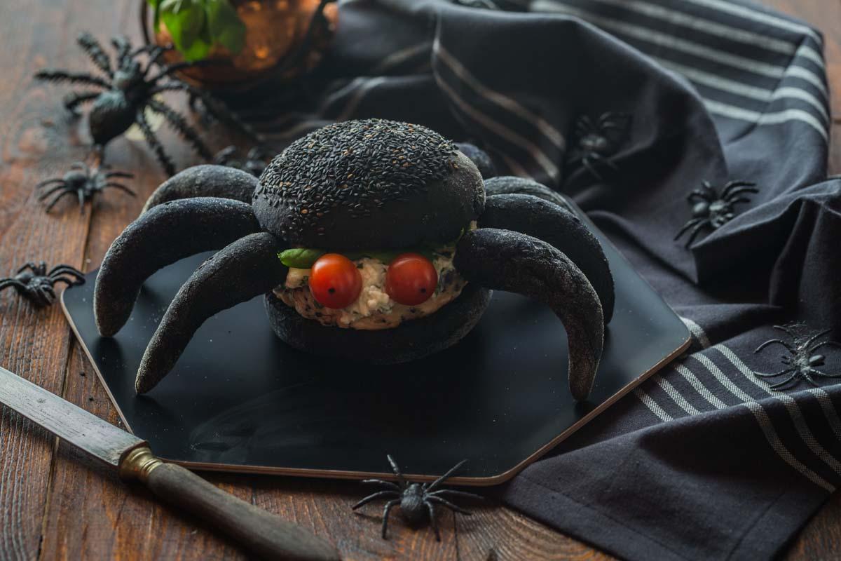 Burger noir façon Araignée au Saumon