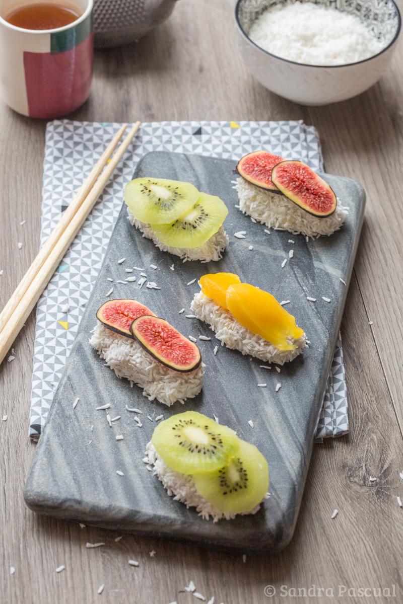 Sushis sucrés aux fruits et tapioca
