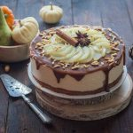 Pear mousse cake with spices and creamy caramel sauce