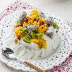 Pavlova Exotique: Meringue Combava, Chantilly Coco & Fruits Exotiques