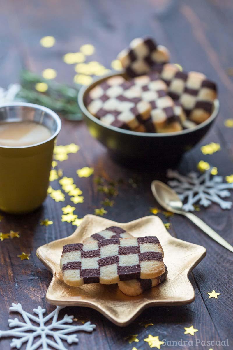 Petits gâteaux damiers vanille et cacao