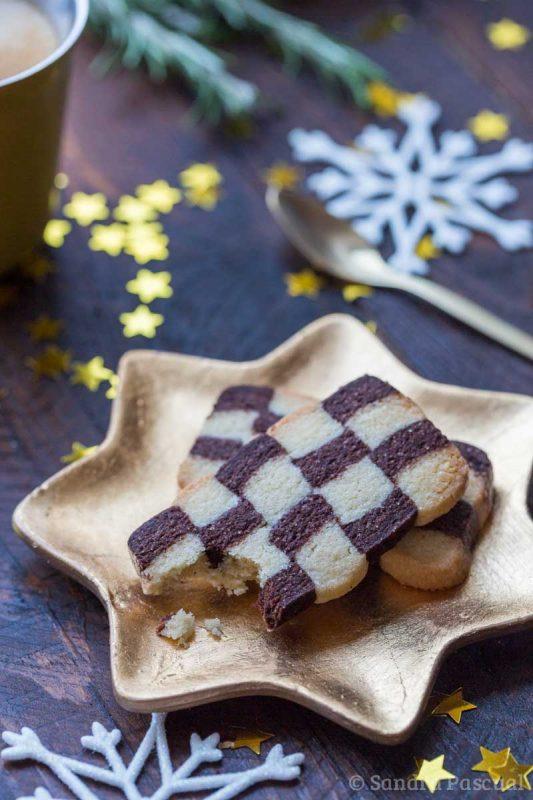Petits gâteaux de Noël damiers vanille et cacao
