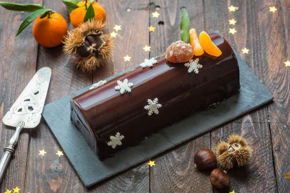 Bûche aux Marrons & Clémentine, glaçage miroir au Cacao