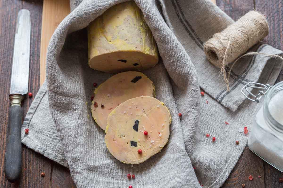 Foie gras truffé, cuit en ballotine