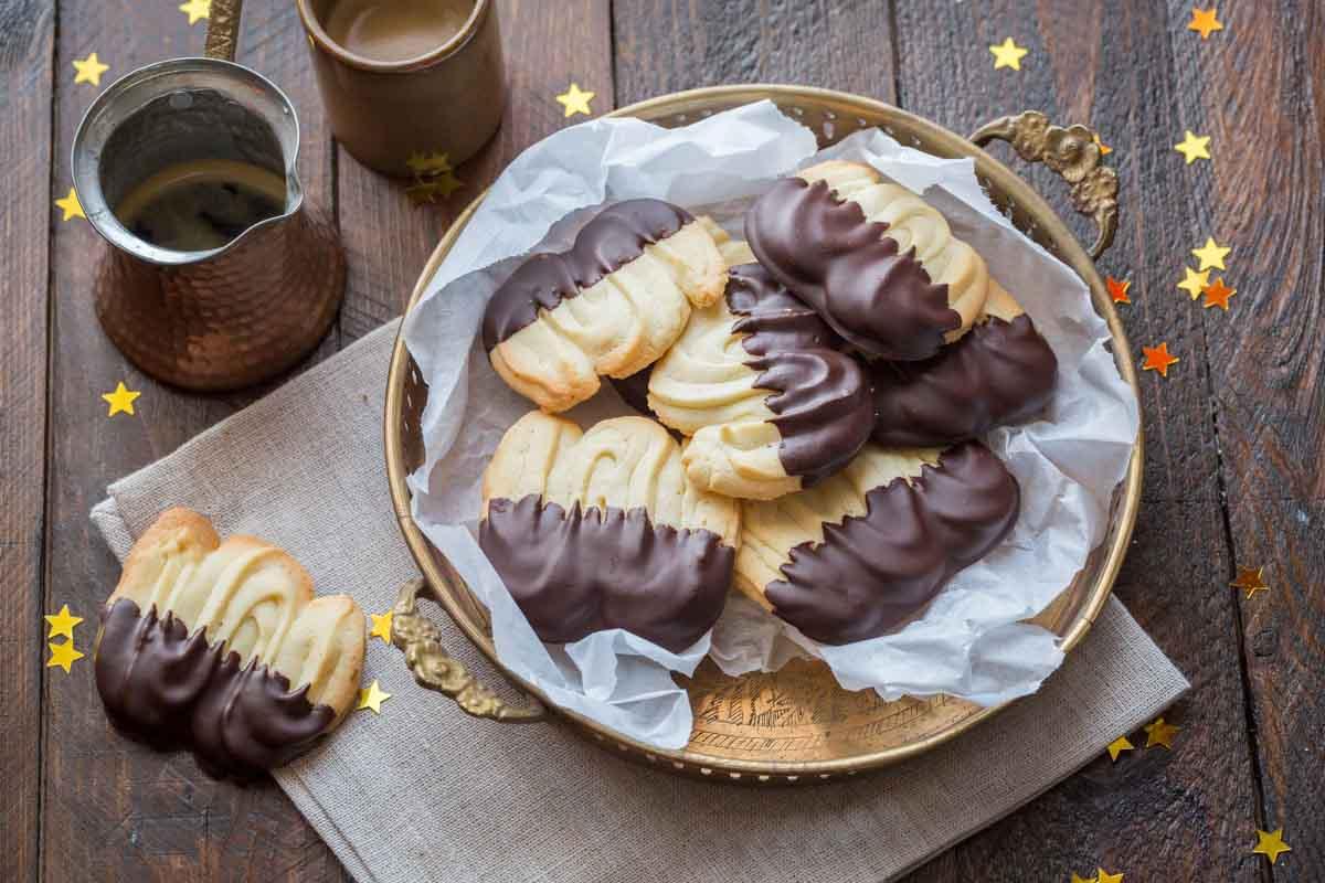 Spritz bredele glacés au chocolat noir