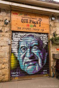 Porte peinte au Marché Mahane Yehuda de Jérusalem