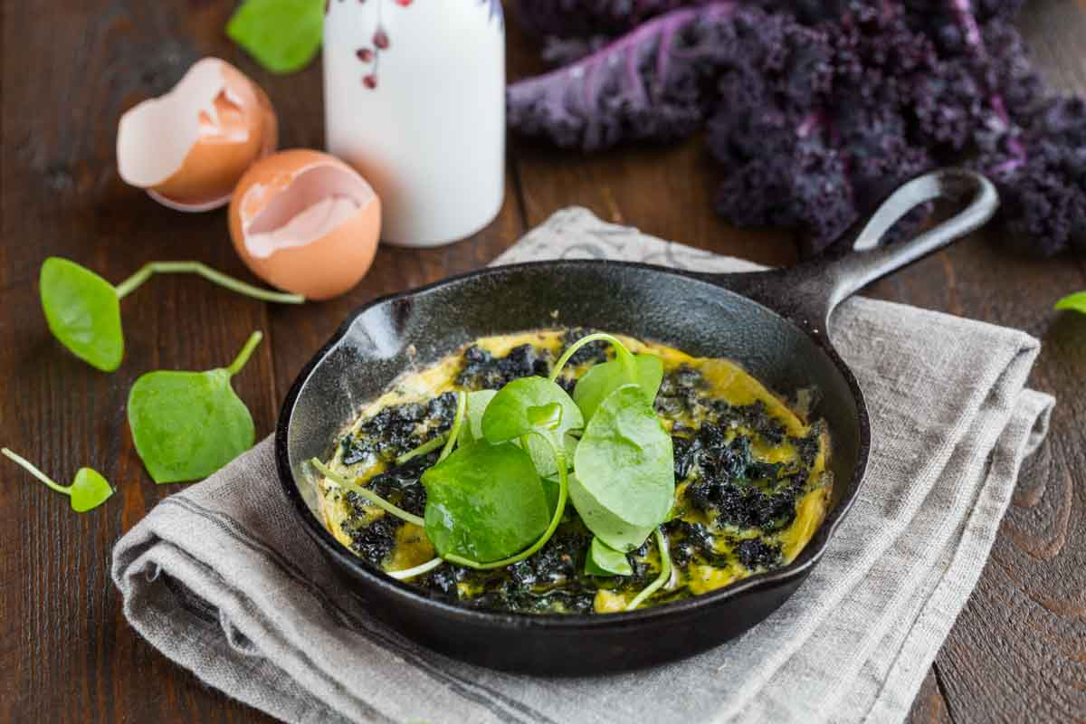 Omelette with Kale & Purslane