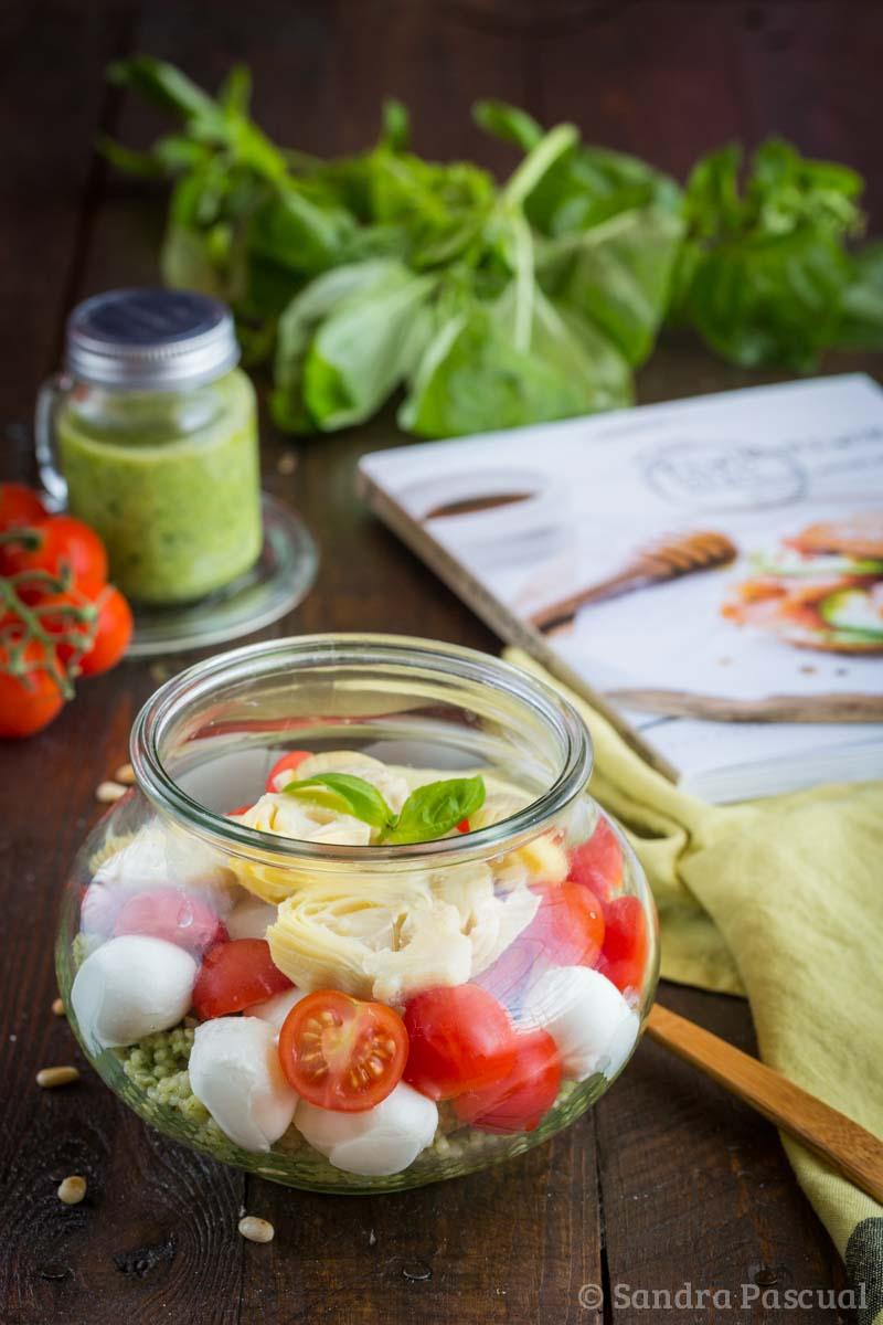 Salade d'orge au pesto, tomates et mozzarella
