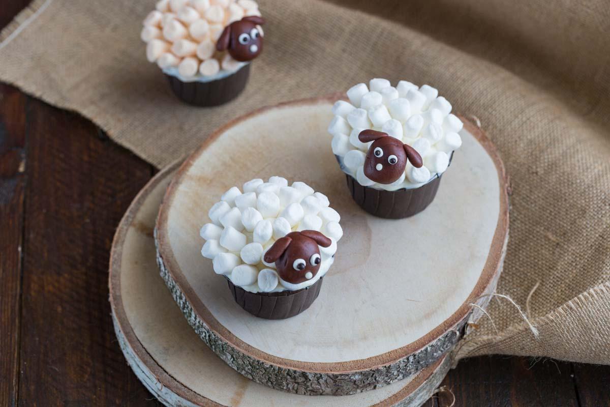 Recette de cupcakes déguisés en moutons