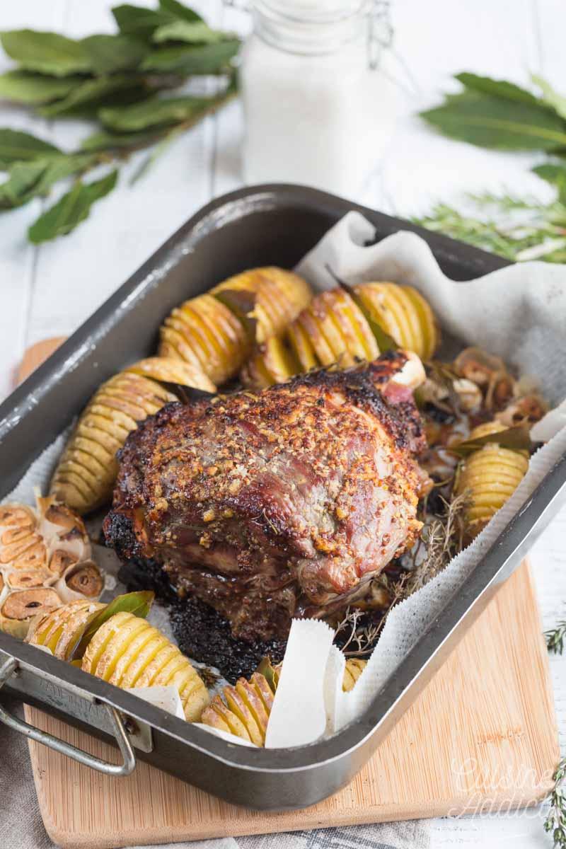 Gigot d'agneau et hasselback potatoes