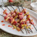 Brochettes de rhubarbe et fraises