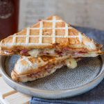 {Angleterre} Croque au bacon et stilton