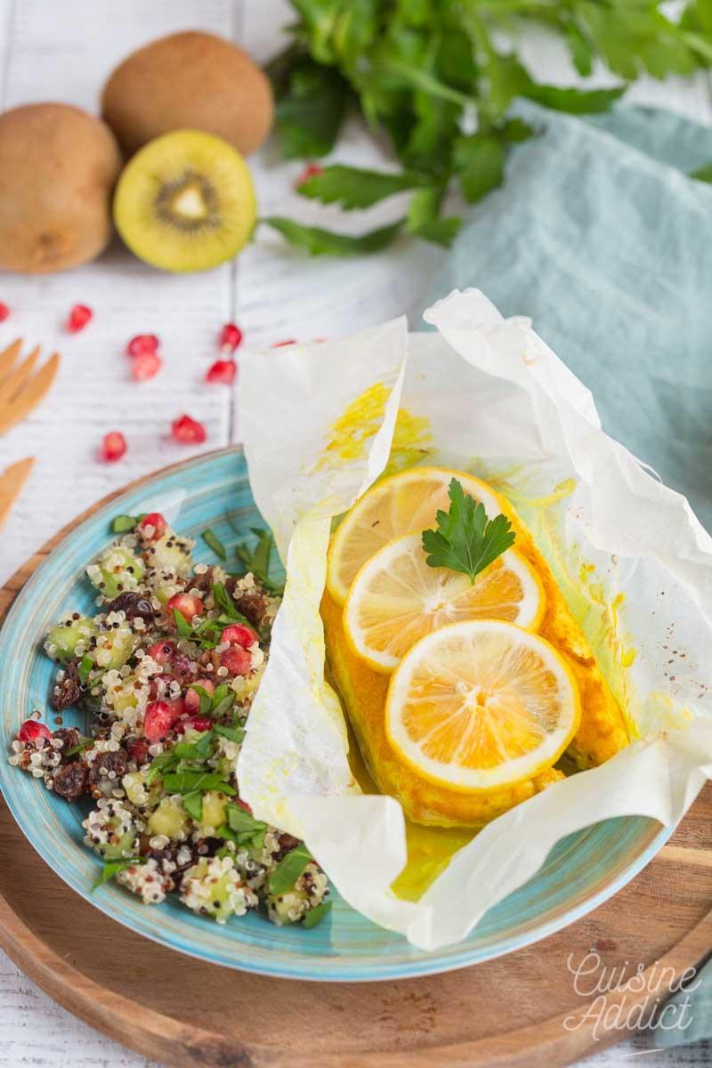 Papilotte de poulet au curcuma et quinoa aux fruits