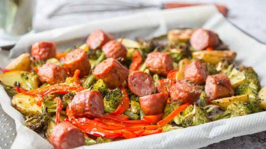 Recette de plaque de légumes grillés et saucisse