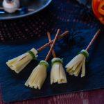 balais de sorcière au fromage pour halloween