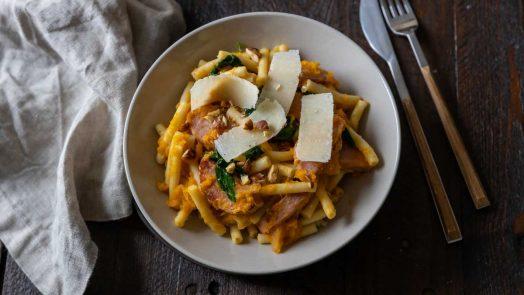 Recette de macaronis au potimarron et saucisson à l'ail