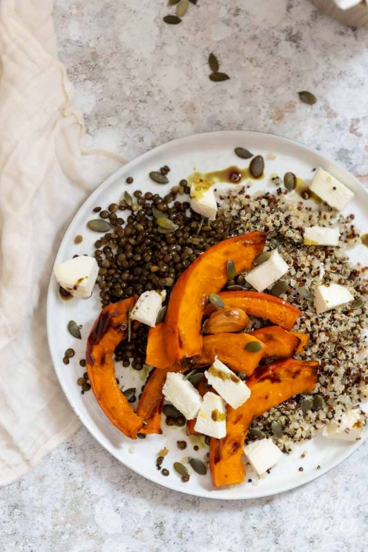 Roasted pumpkin with quinoa and goat cheese