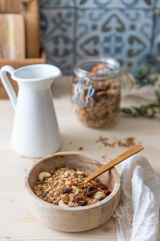 Un bol de granola maison