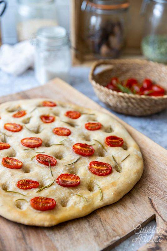 Foccacia aux tomates cerise et romarin