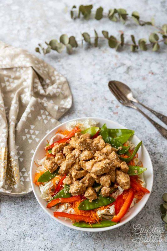 Salade thaï au poulet et vermicelles de riz