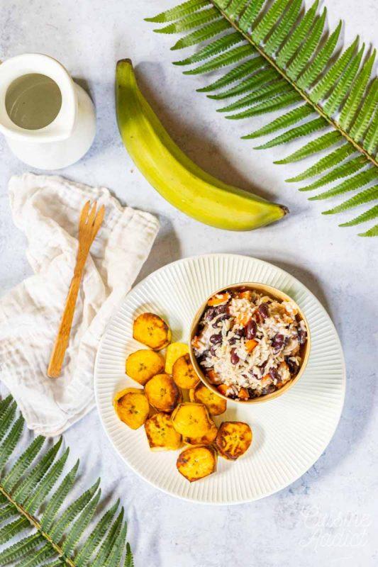 Riz aux haricots et banane plantain grillée