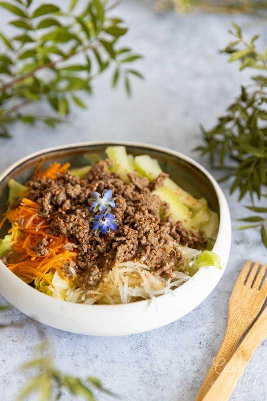 Salade au boeuf sauté aux saveurs asiatiques
