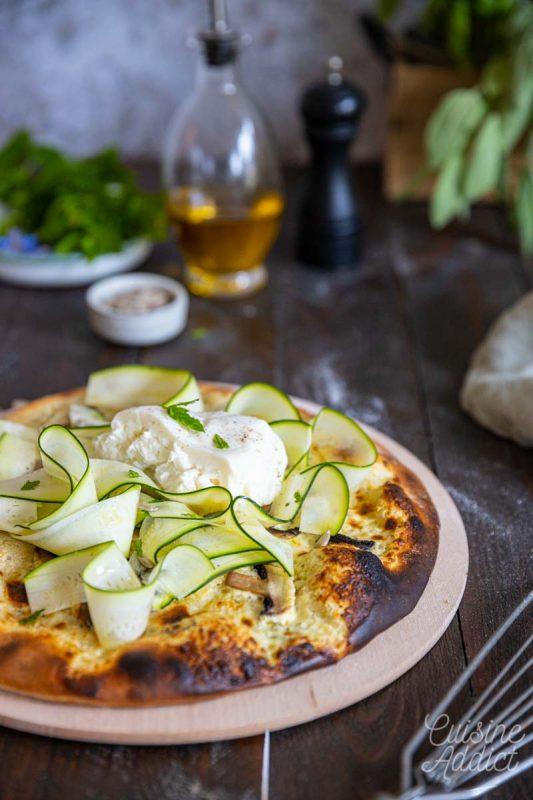 Pizza aux courgettes et burrata