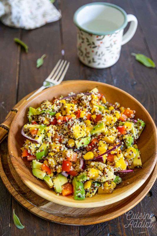 Salade de quinoa, mangue et avocat