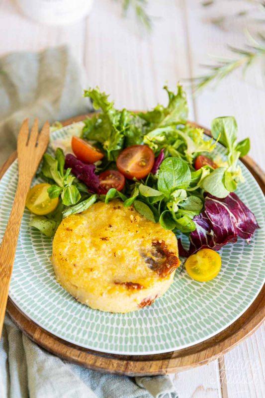Recette de galettes de polenta et tomates séchées